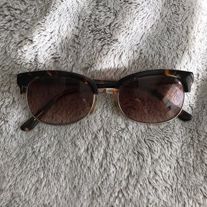 Anthropologie • Tortoiseshell Sunglasses